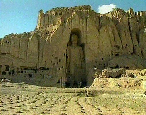 http://snowbrains.com/wp-content/uploads/2013/03/bamiyan-buddha2.jpg