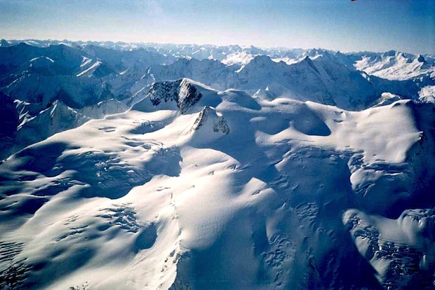Commander glacier in Jumbo ski resort