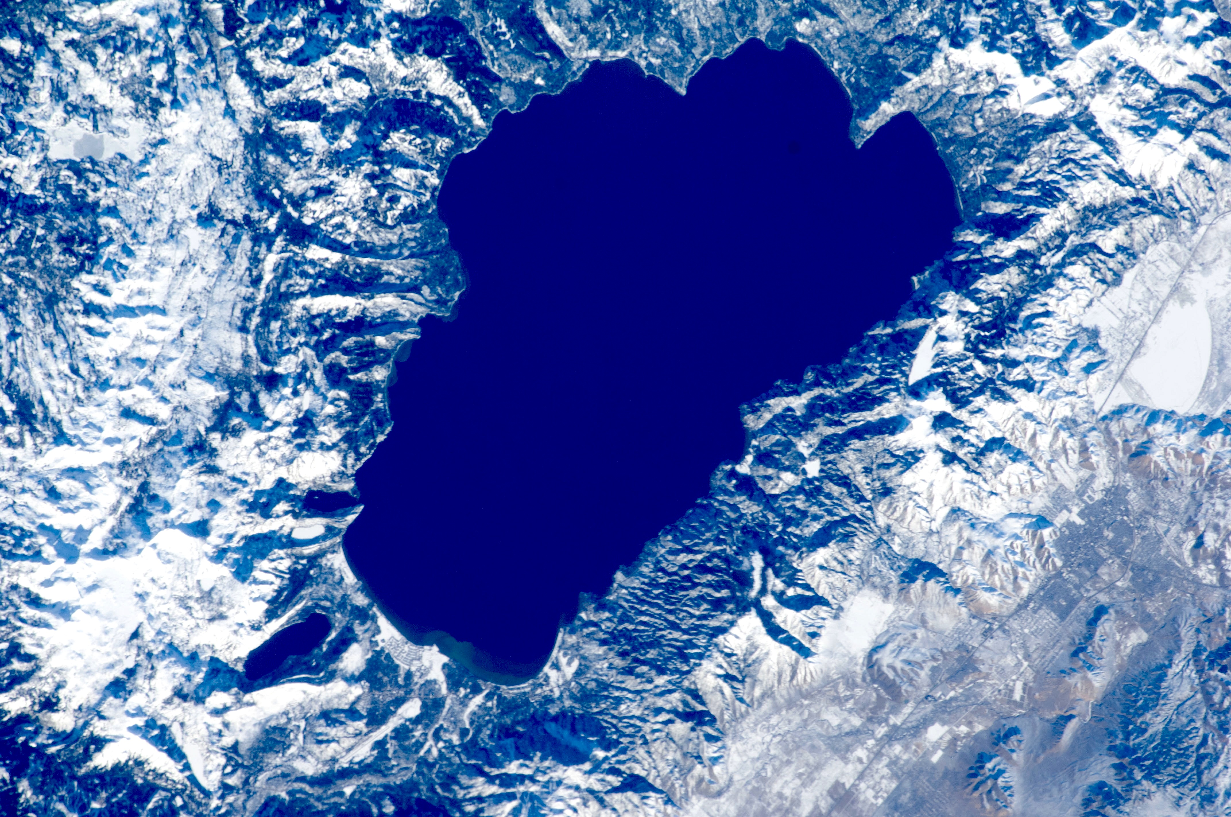 5 7 Earthquake Rocks Lake Tahoe Yesterday Did You Feel It Snowbrains