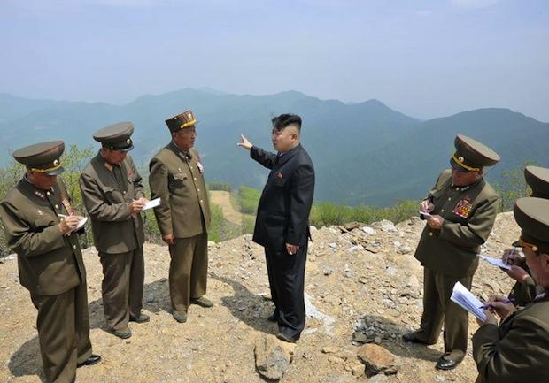 Kim Jong-un showin'  wo hme'