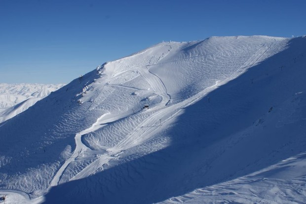 Mt. Hutt today showing an avalanche on upper slope