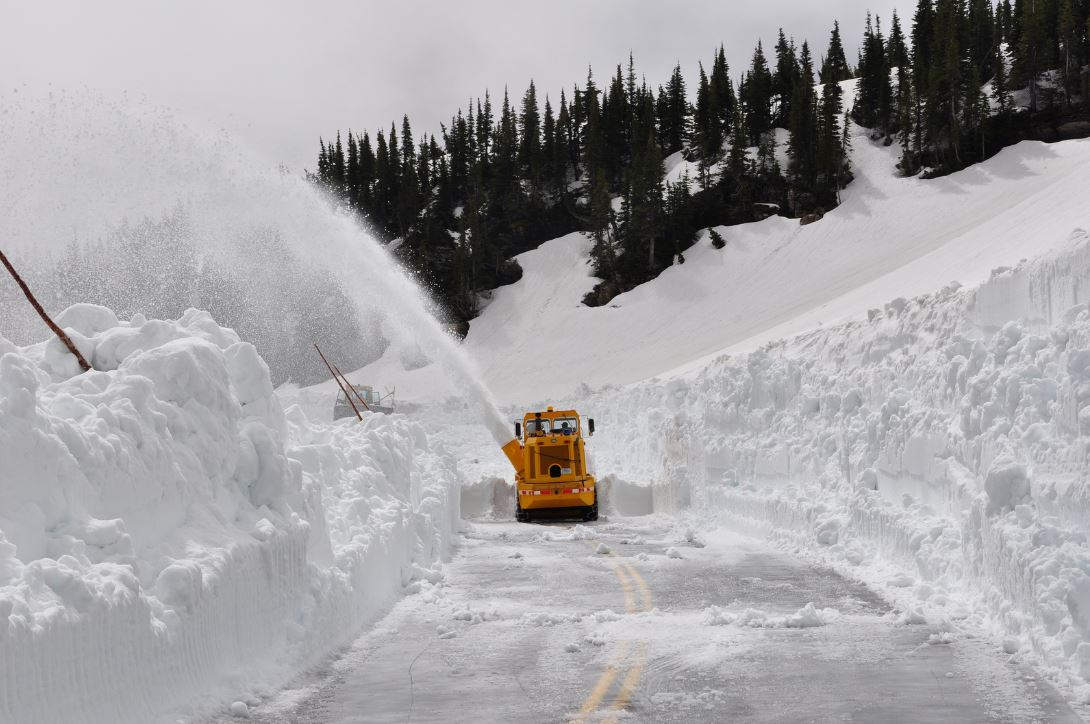 """Roush Off Road Park >> Brain Post: Glacier National Park's """"Going to The Sun Road"""" Plowing Operations - SnowBrains"""