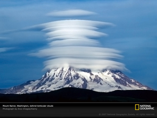 lenticular-clouds-agr1n8-sw