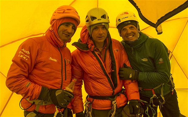 Ueli Steck, Jon Griffith and Simone Moro at camp 2 on Mt Everest Photo: Jon Griffith/Alpine Exposures