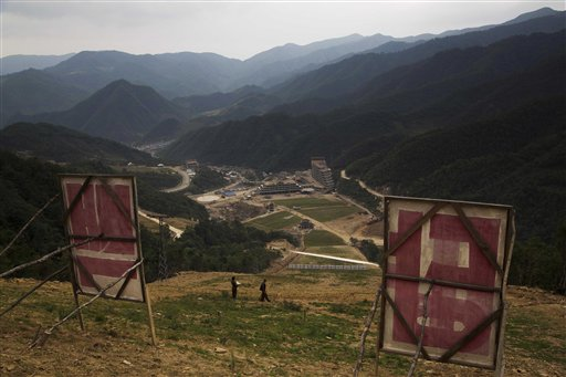 Masik Pass run, Photo: DAvid Guttenfelder, AP