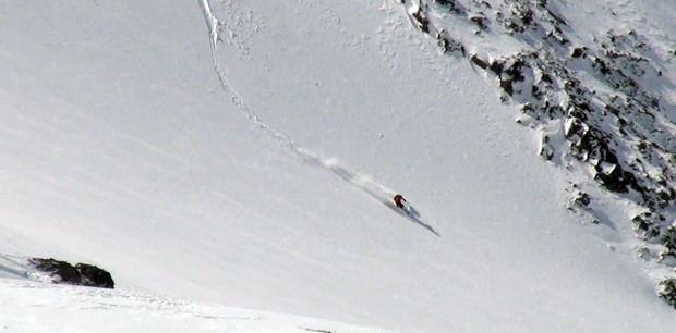 Wide open bowl skiing in bagaules-mountain-reserve