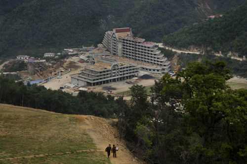 Recent photo of nearly completed hotel at base of Masik ski resort