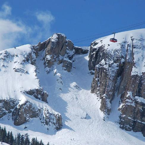 Corbets Couloir, Jackson Hole, WY.  photo:  wikimedia