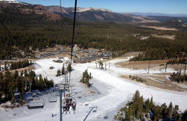 A look back to the lodge, with a chairlift full of people