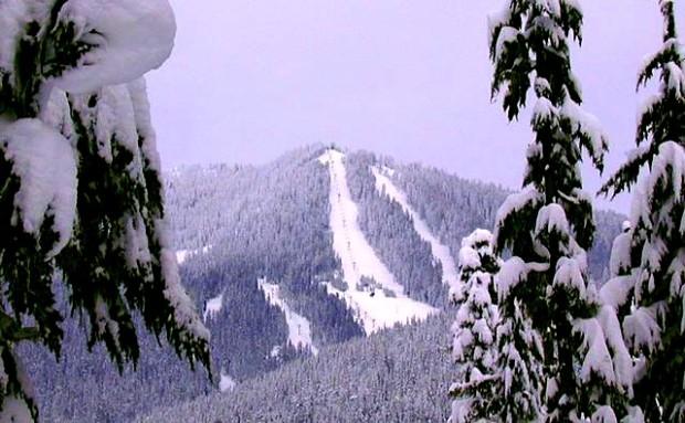 Willamette Pass, OR gets snow. photo: deetour.net