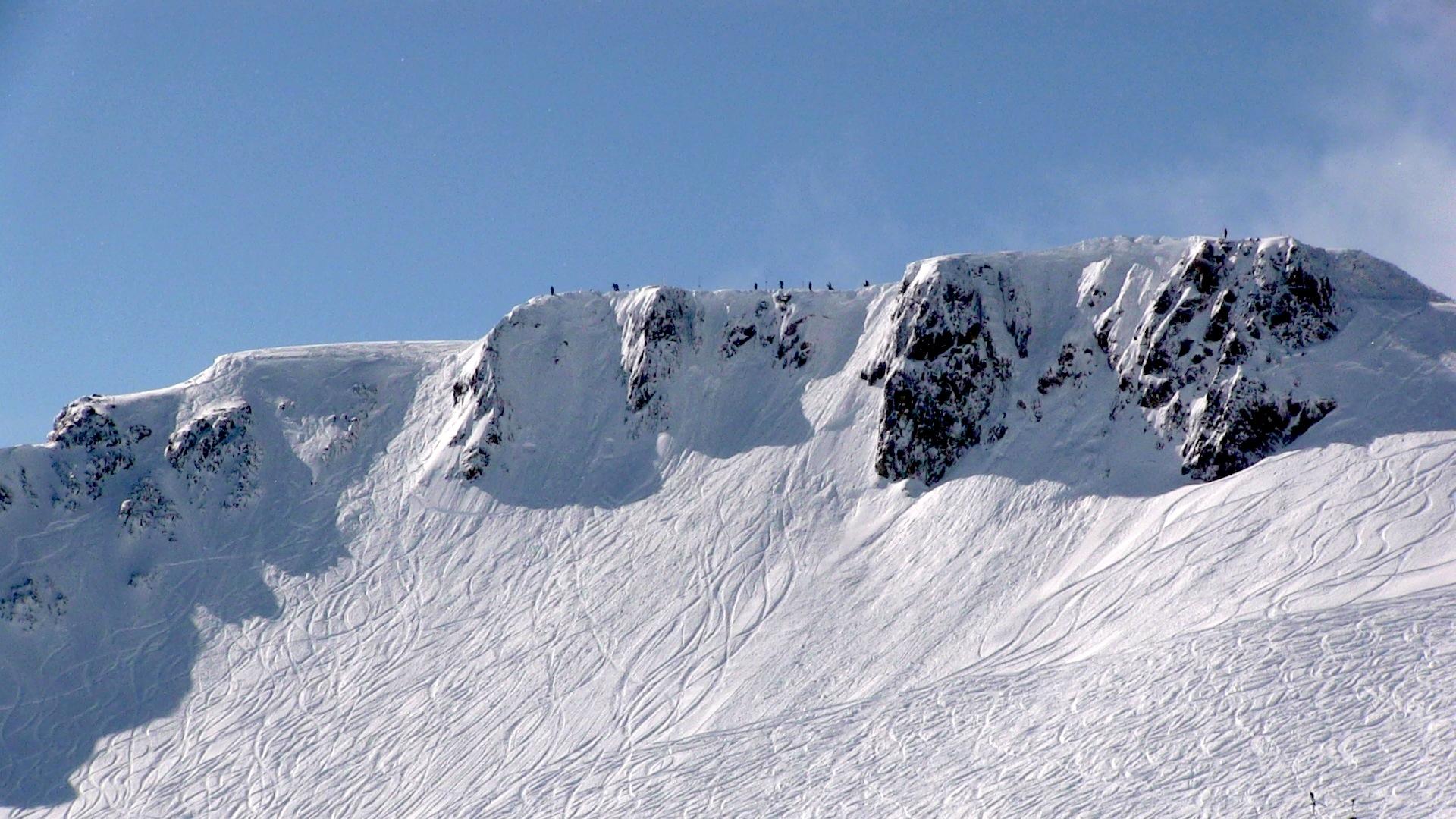 The Worlds 100 Best Ski Runs