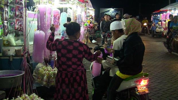 The Friday night street market in Pembulatan Ratu is amazing.