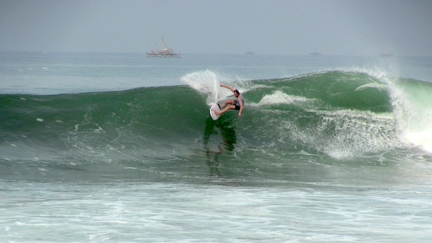 """Aussie Shey ripping on a 5'8"""" on an overhead day"""