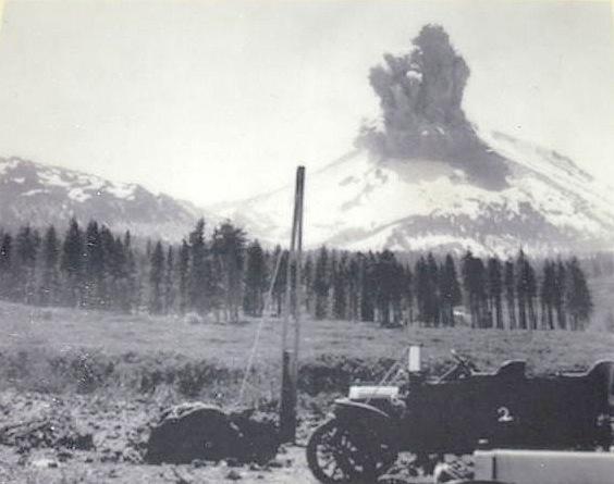 Mt. Lassen eruption May 22nd, 1915.