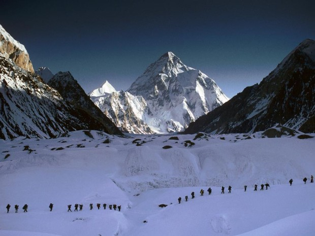 Climbers en route to K2