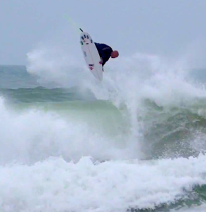 Kelly Slater landed a clean 540º today and it was gorgeous.