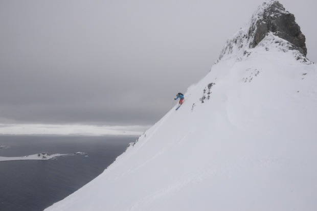 Skiing steep pow on Livingston Isle. photo: Juha Virolainen
