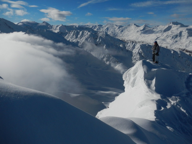 Above the clouds, Checking out the view from top of Obergurgl, Foto: Irian van Helfteren