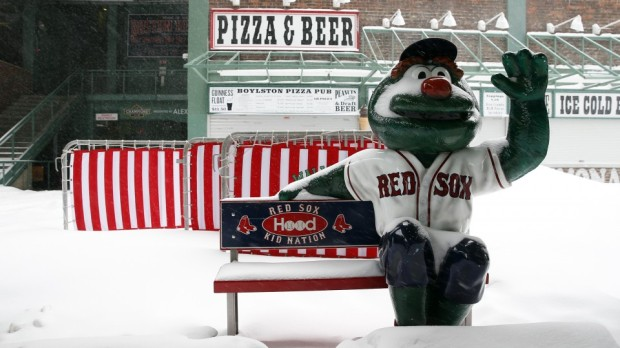 boston_snow_fenway_park_red_sox_photos