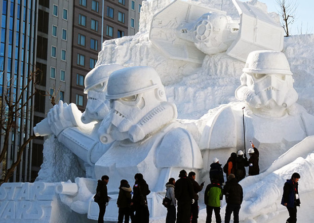 giant-star-wars-snow-sculpture-sapporo-festival-japan-coverimage
