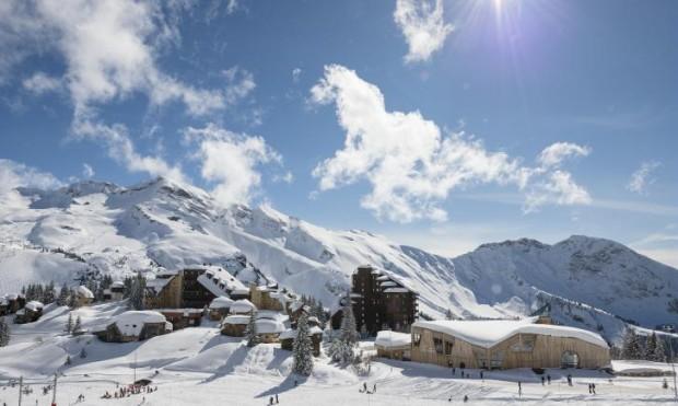 http://ski-resort.avoriaz.com/