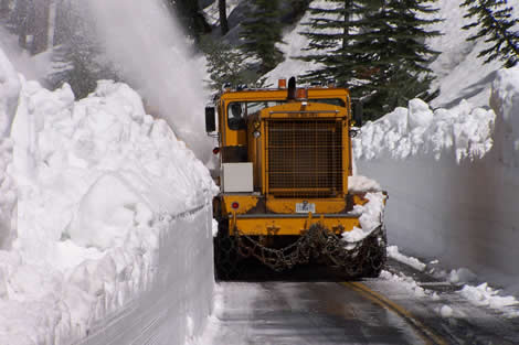 Tioga pass being cleared in the record 2011 winter.