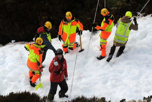Police and SAR teams signal that they have found a second body in avalanche debris below the Kepler Track in Fiordland.