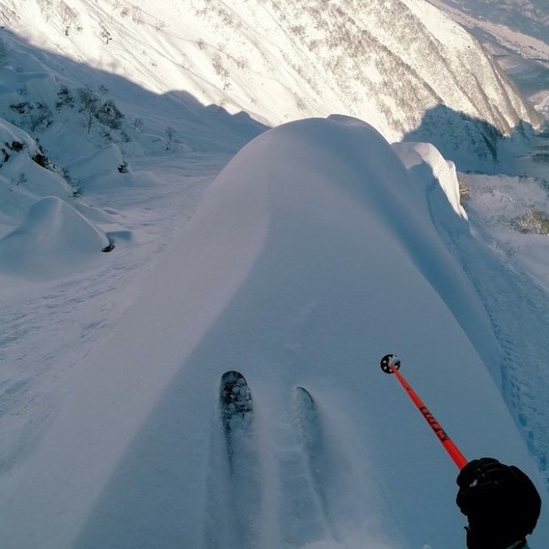 Dropping a spine in deep powder can truly be orgasmic.