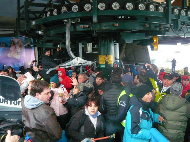Bariloche police breaking up a fight between ski instructors and striking lifties at Catedral ski resort in Bariloche, Argentina today.