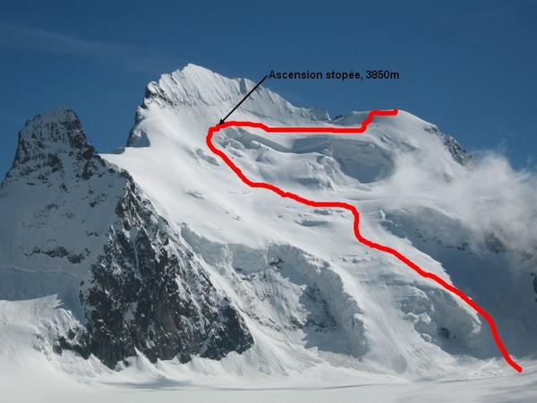 The Dome de Neige climbing route is exposed to avalanche danger at many points.