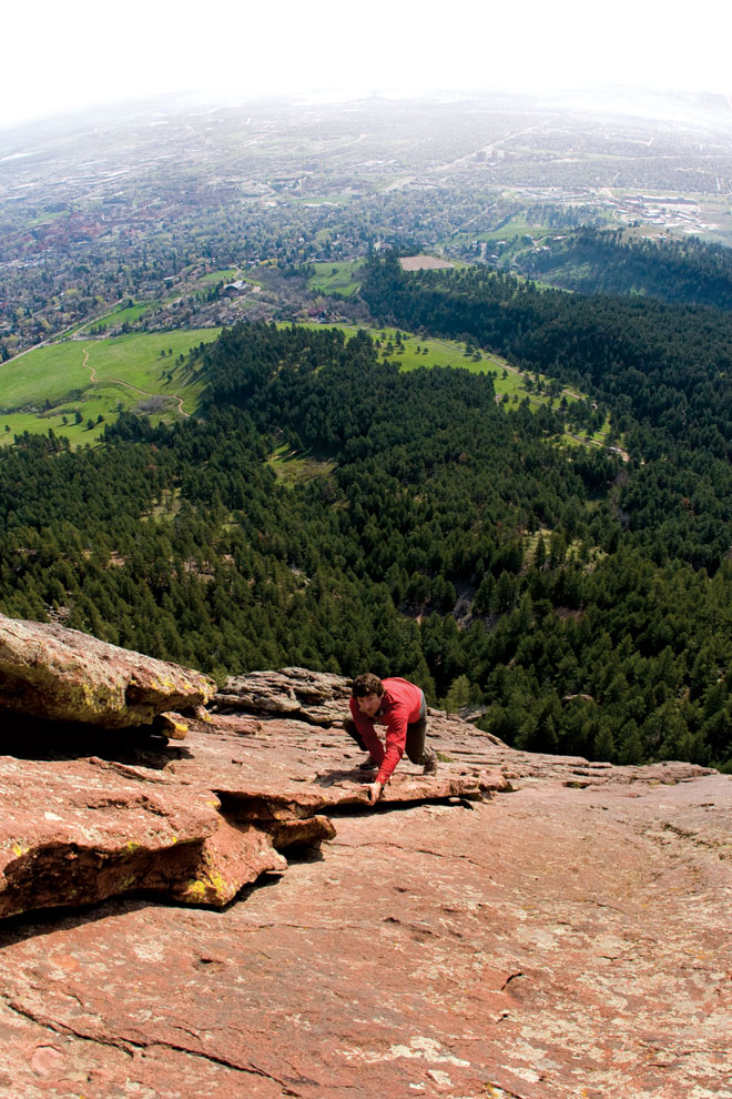 Free soloing the 1st Flatiron. No ropes, no helmet, no second chances.