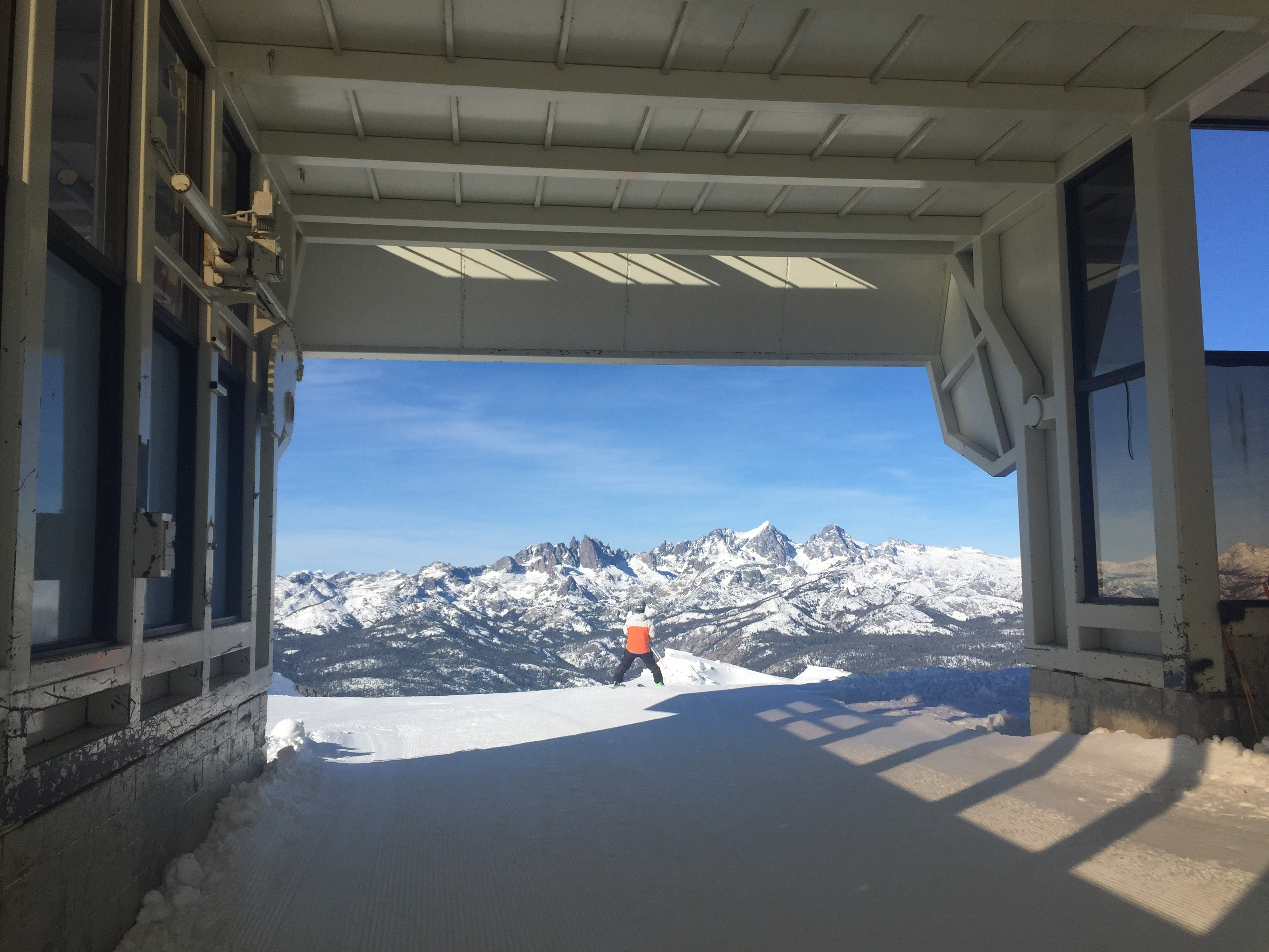 Mammoth ca conditions report bluebird days more terrain for Chair 23 mammoth