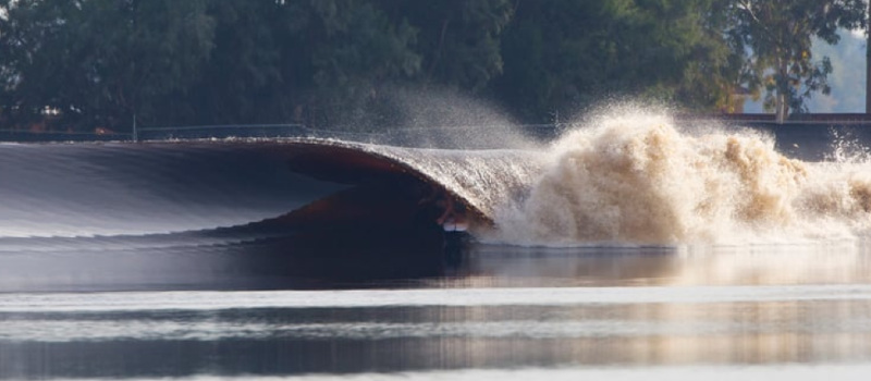 Kelly Slater's man made wave