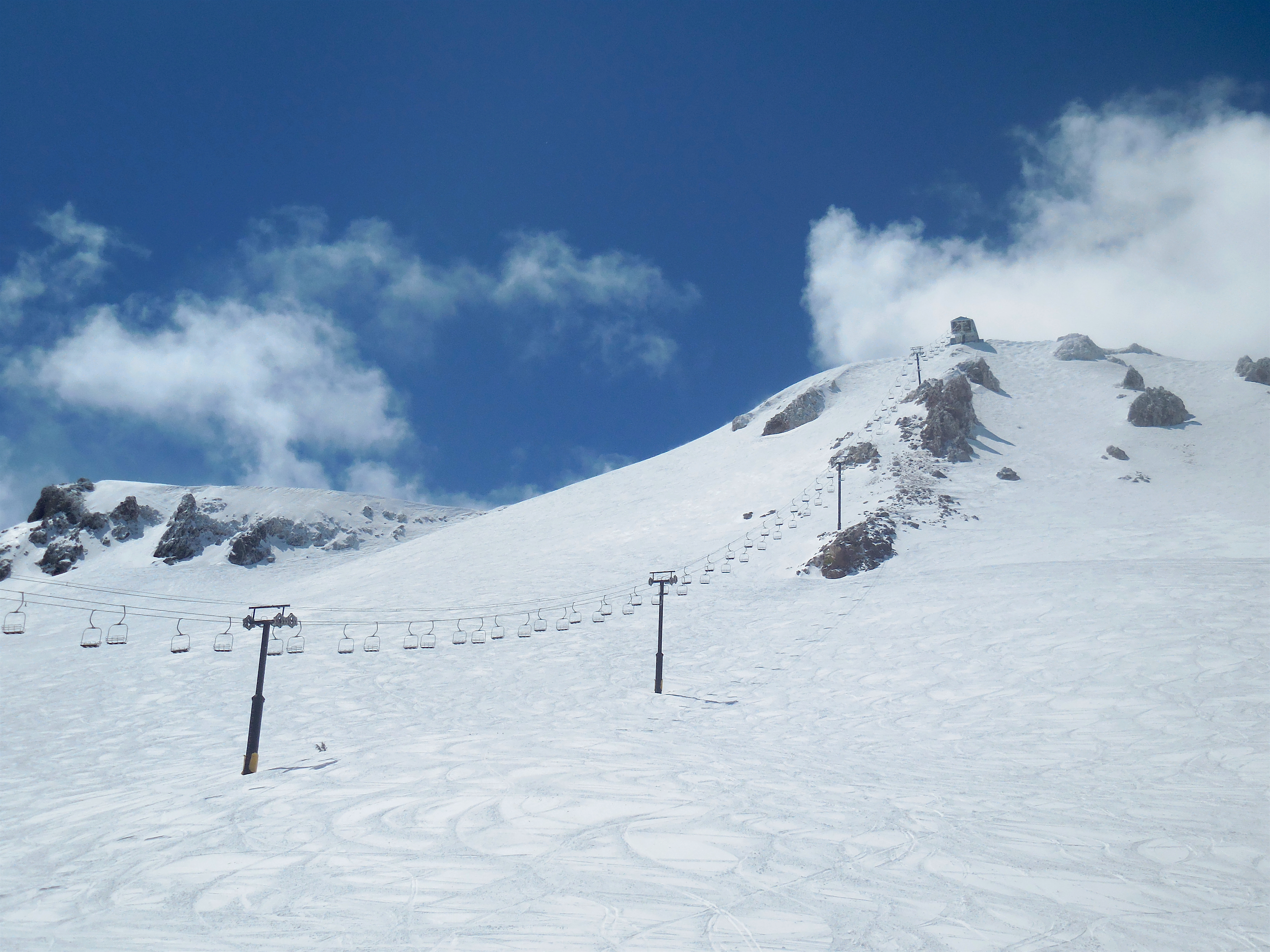 Top 10 chairlifts on the west coast snowbrains for Chair 23 mammoth