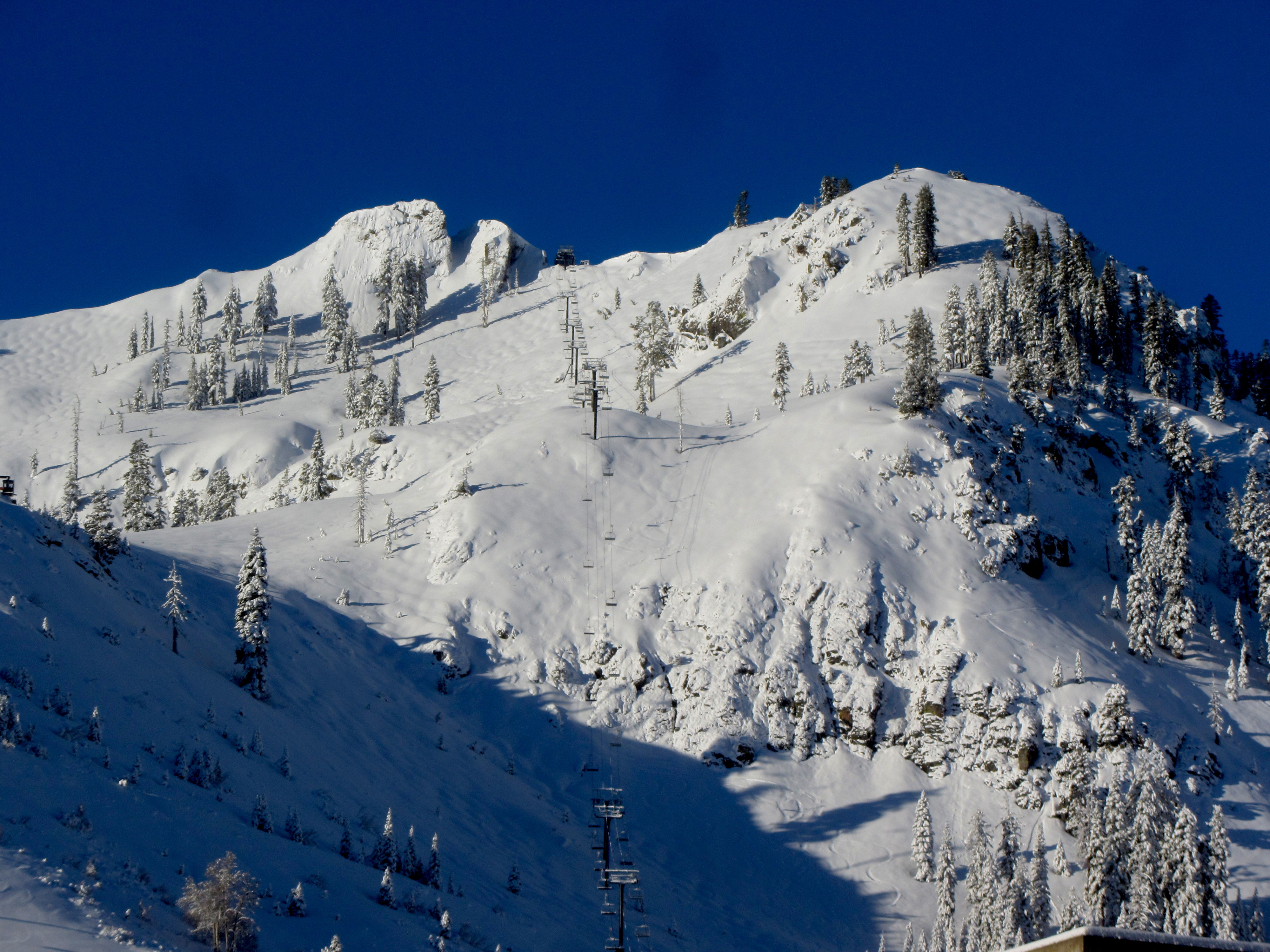 snow report squaw valley