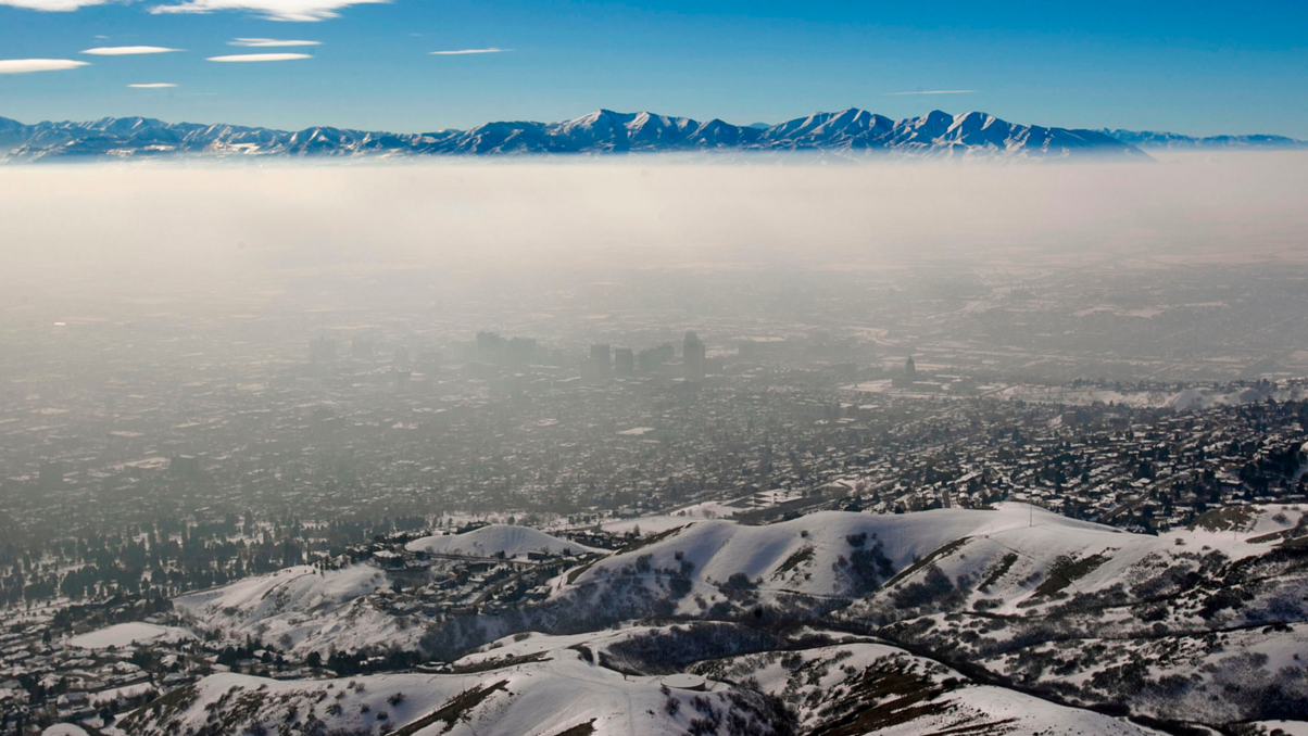 Smog Lake City, UT. photo: Scott G. Winterton/Deseret News