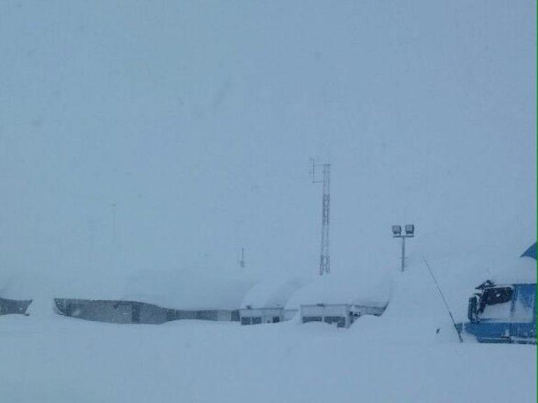 The Los Libertadores Pass check station BURIED in snow in early June. Photo: Unidad de Pasos Fronterizos