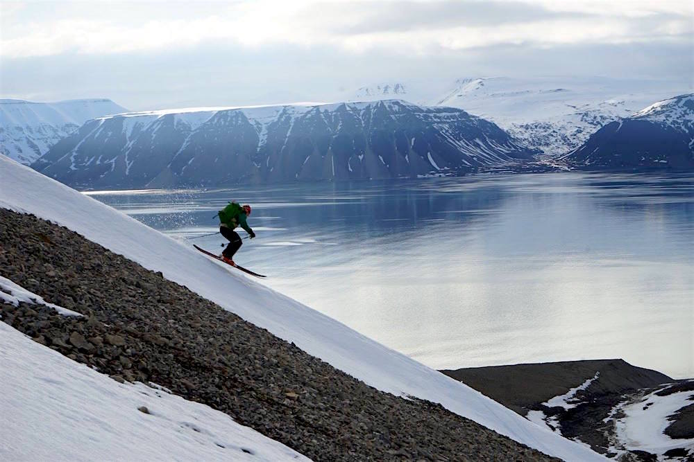 Skip flying over the fjord. photo: snowbrains