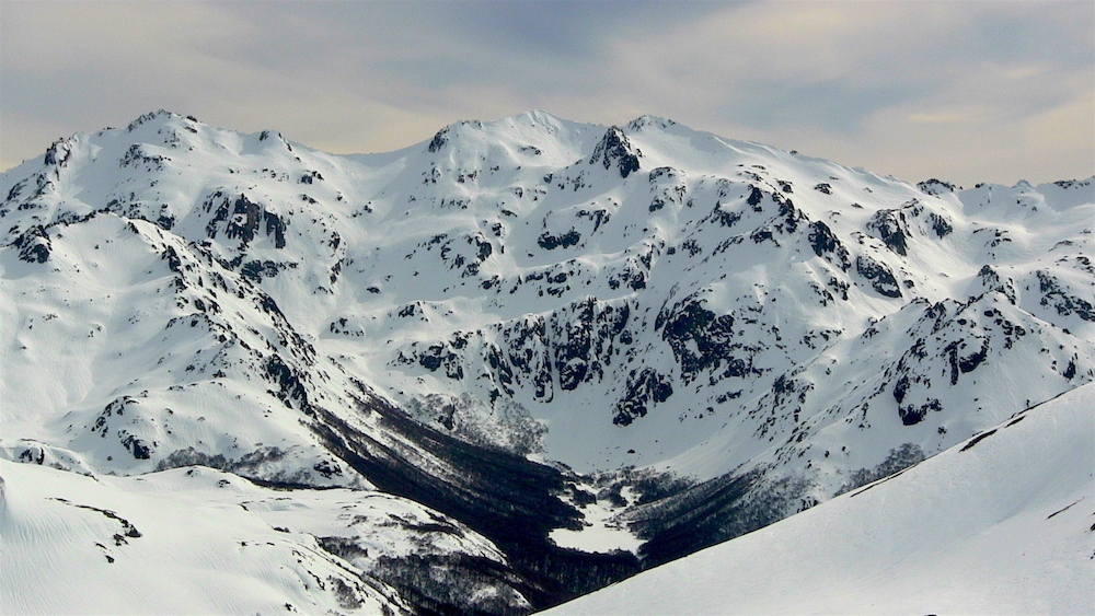 This small valley holds a refugio. Imagine staying here for a week... photo: snowbrains