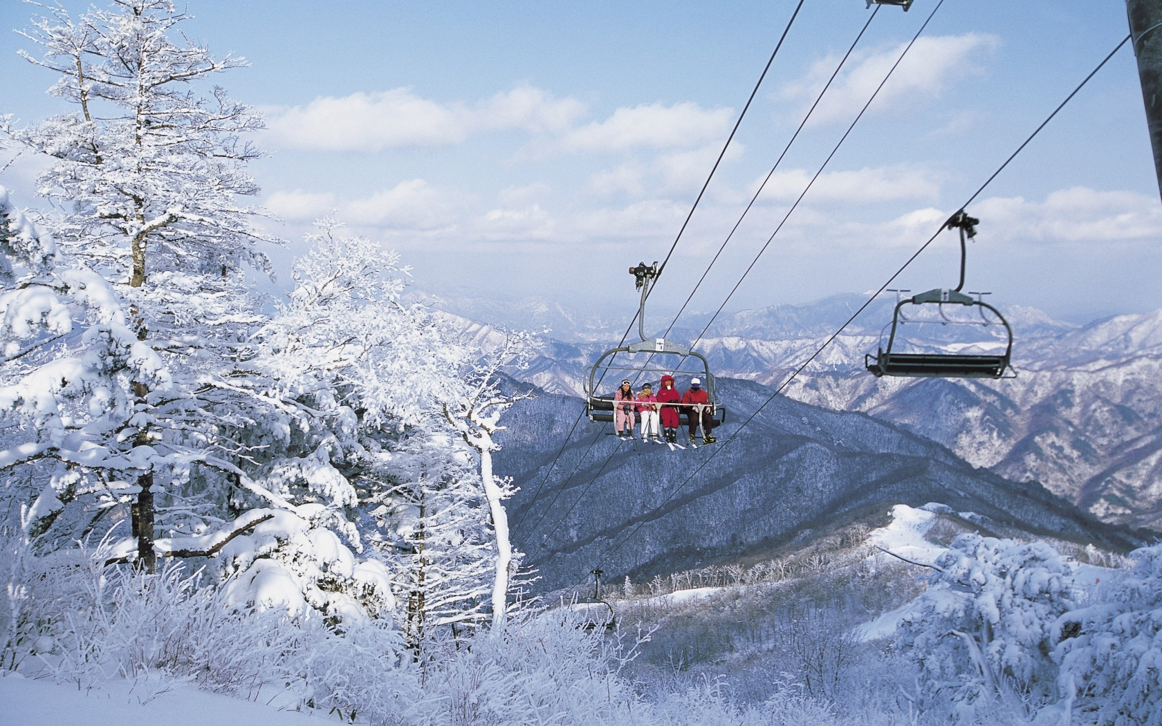 why ski in south korea l host of the 2018 winter olympic. Black Bedroom Furniture Sets. Home Design Ideas