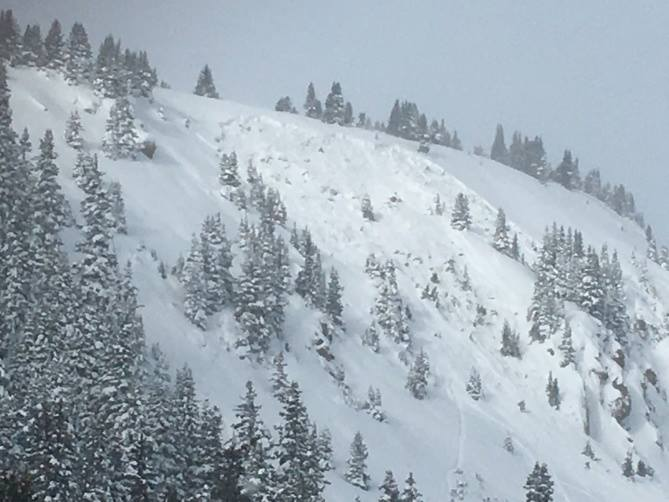 Photo of recent avalanche in CO.  image:  caic