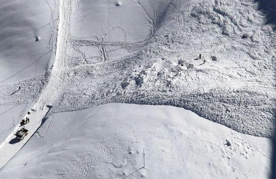 japan-avalanche-3