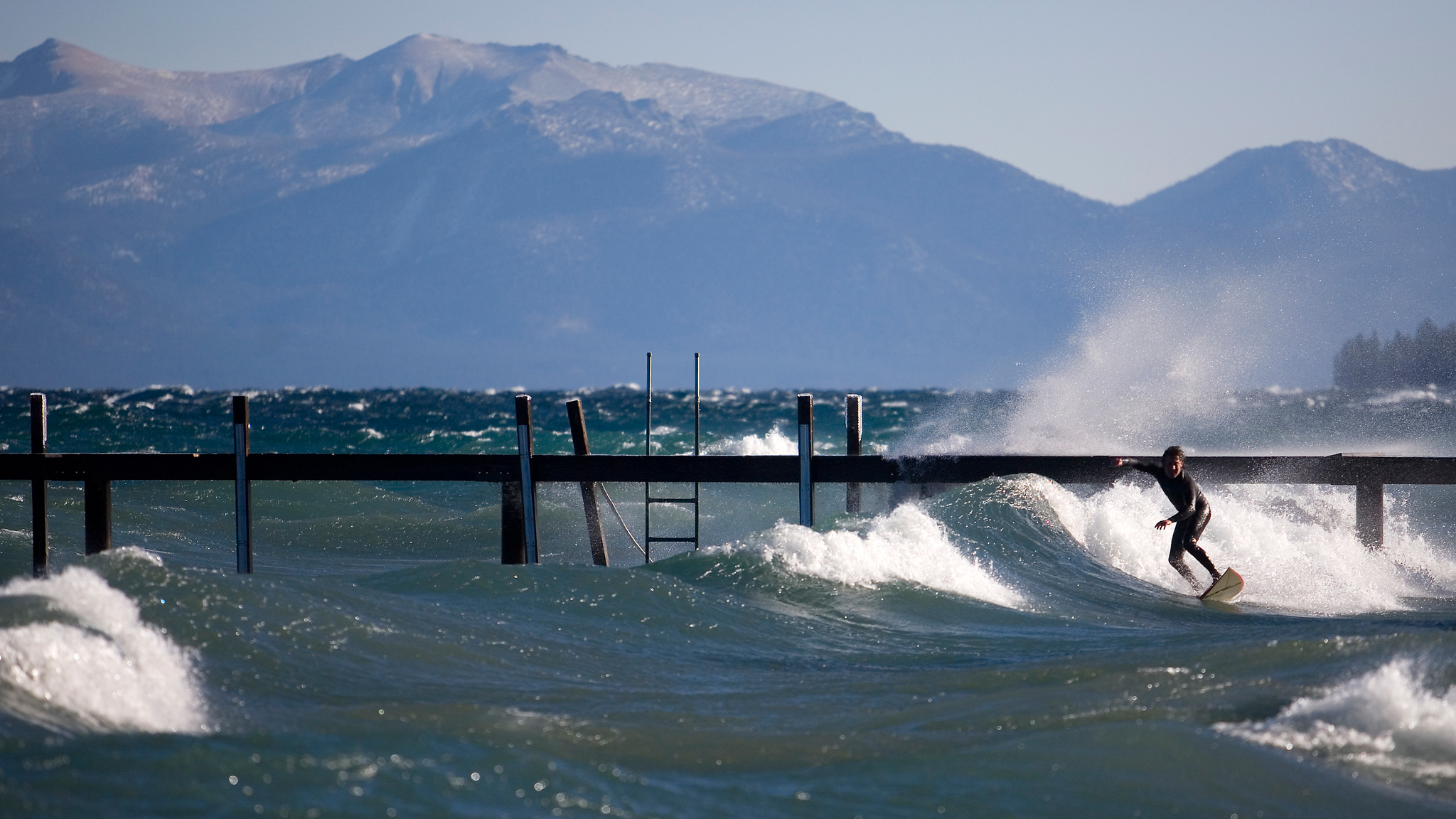 The Summit Reno >> High Winds Shut Down 3 Tahoe Ski Resorts Today | Up to 7-Foot Waves Forecast on Lake Tahoe ...