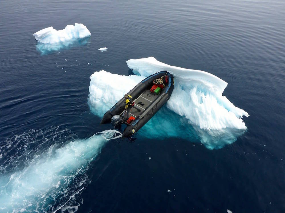This is how you move icebergs. image: ode silvonen