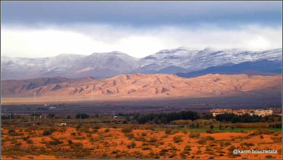 First Sahara Desert Snow In 37 Years // photo: Karim Bouchetata
