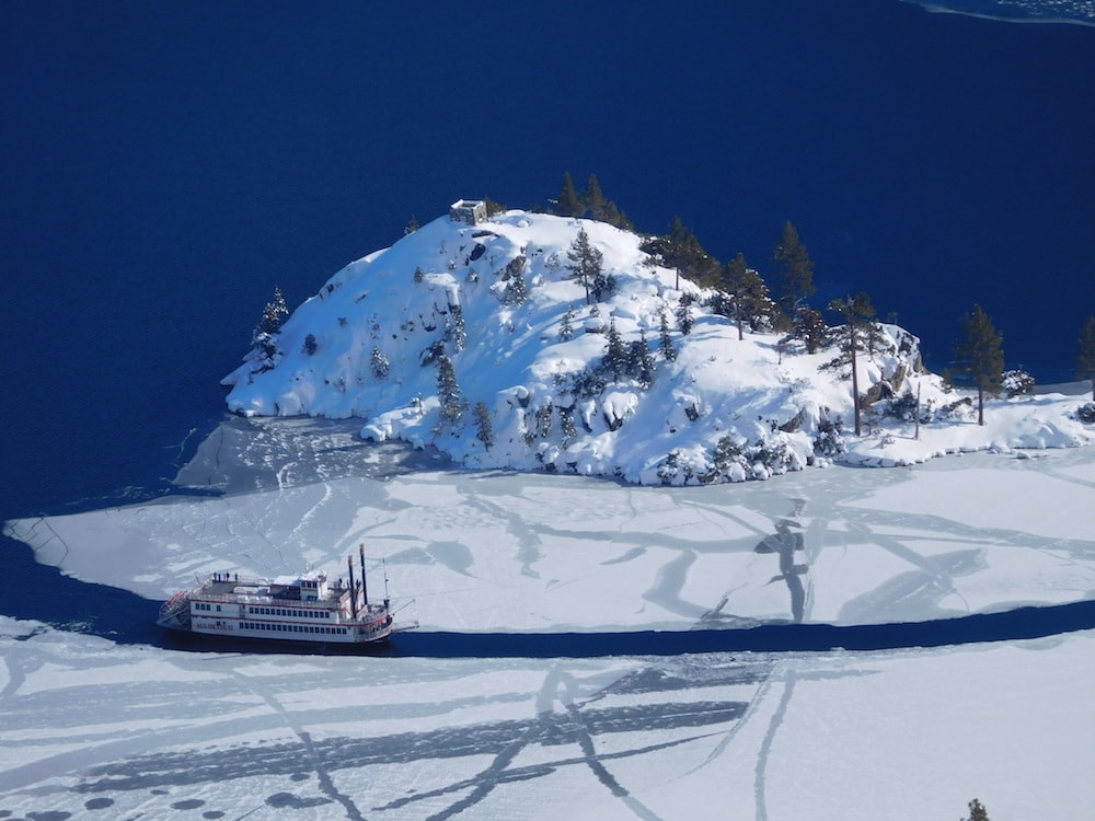Miss Dixie rounding Fannette isle in Emerald Bay today. photo: snowbrains