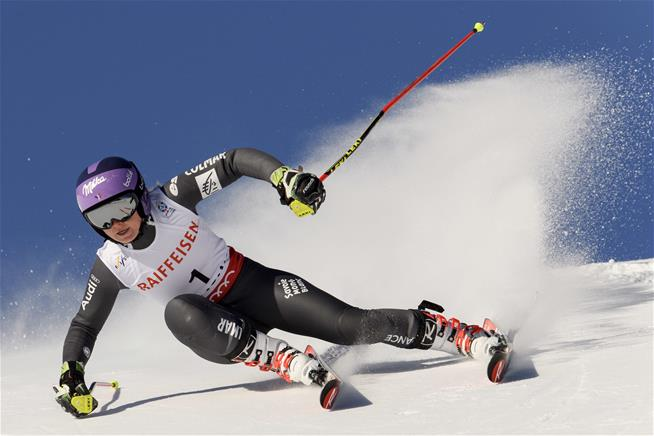 Tessa Worley, of France, competes during the first run of the women's Giant Slalom race at the 2017 Alpine Skiing World Championships in St. Moritz, Switzerland, Thursday, Feb, 16, 2017. (Gian Ehrenzeller/Keystone via AP)  (Associated Press)