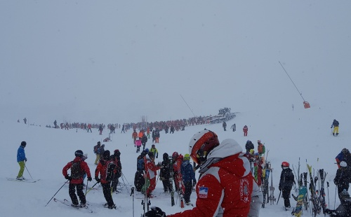 Search operation - photo Val d'Isère piste patrol