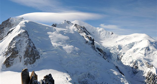 Two separate avalanche events in the Hautes-Alps resulting in one fatality. pc; LeDauphine.com.