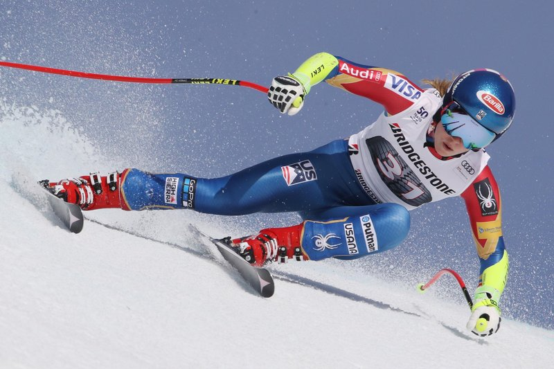 Mikaela Shiffrin blasting down the course © Eric Spiess/Red Bull Content Pool